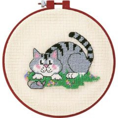 A Cat And Mouse Beginners Cross Stitch Kit
