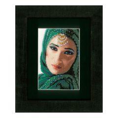 Counted Cross Stitch Kit: Eastern Beauty (Aida,W)