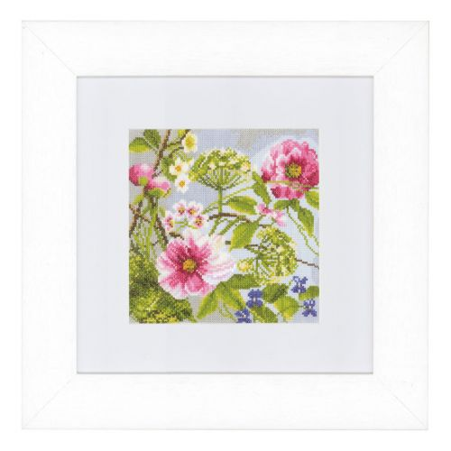 Counted Cross Stitch Kit: Peonies (Evenweave)